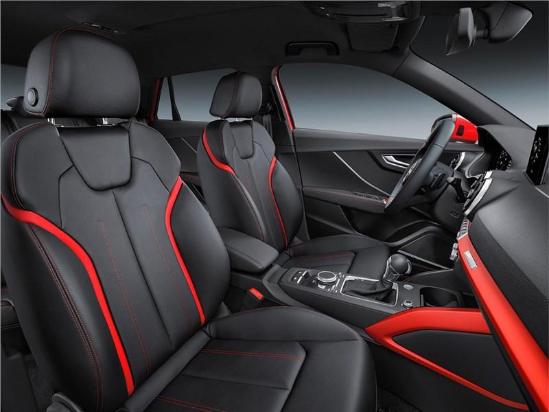 Audi Q2 2017 передние кресла