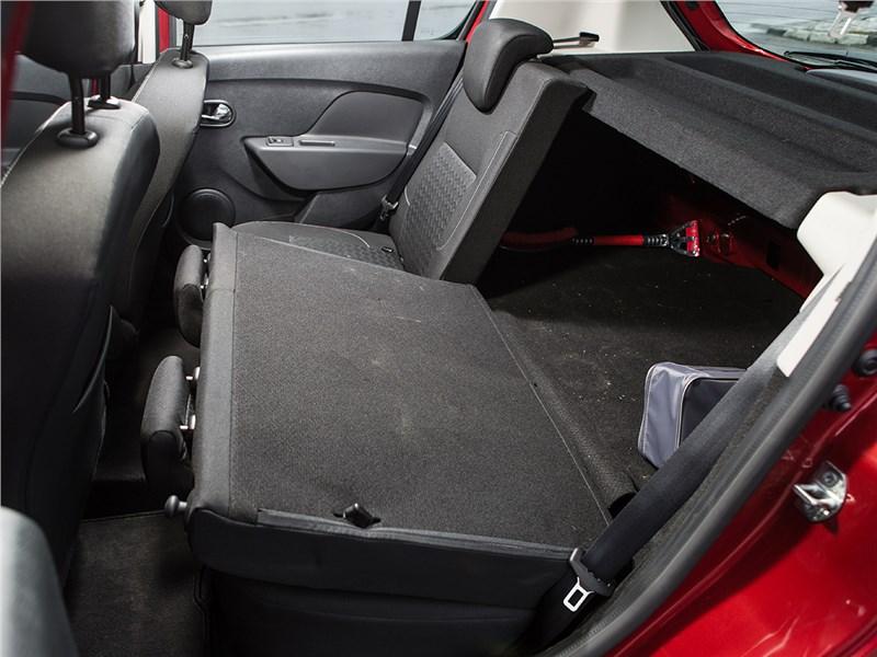 Renault Sandero 2013 задний диван
