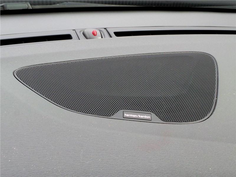 Volvo V60 Cross Country 2015 центральный динамик аудиосистемы