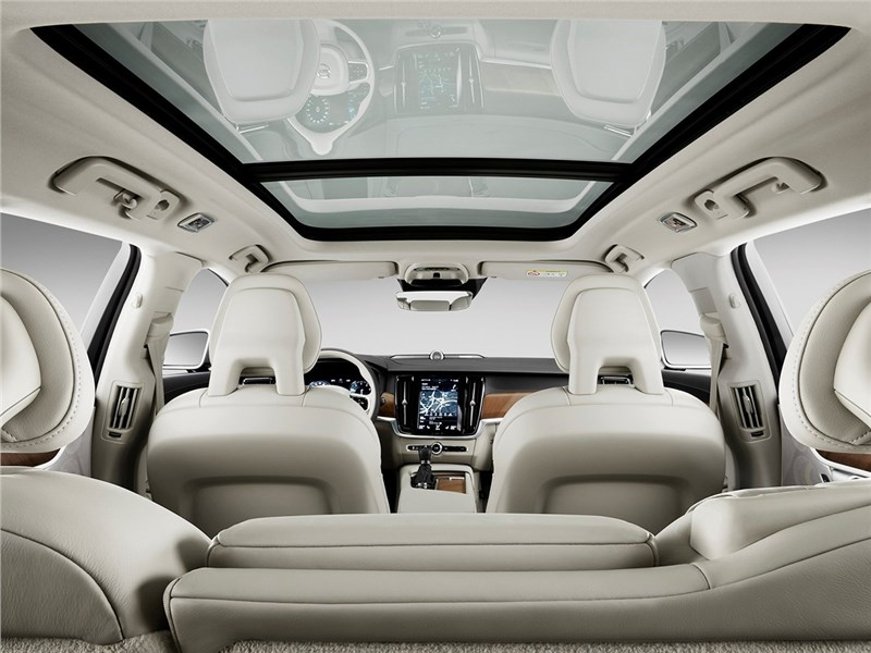 Volvo V90 Estate 2017 панорамное стекло