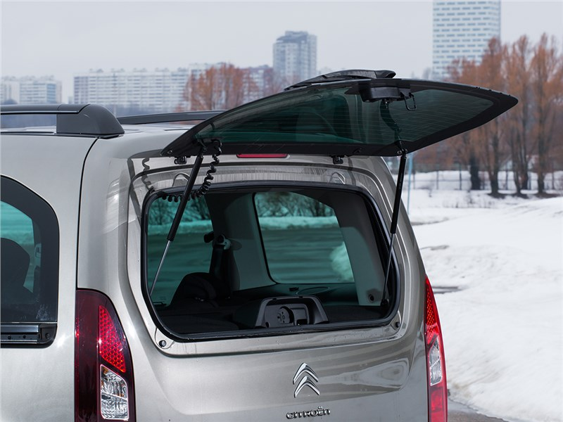 Citroen Berlingo 2015 окно задней двери