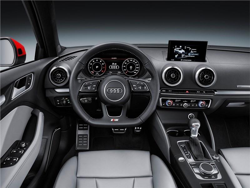 Audi A3 Sportback 2017 салон