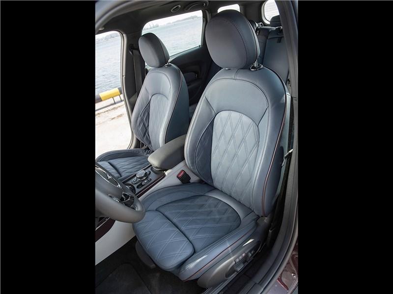 Mini Clubman Cooper S 2016 водительское кресло