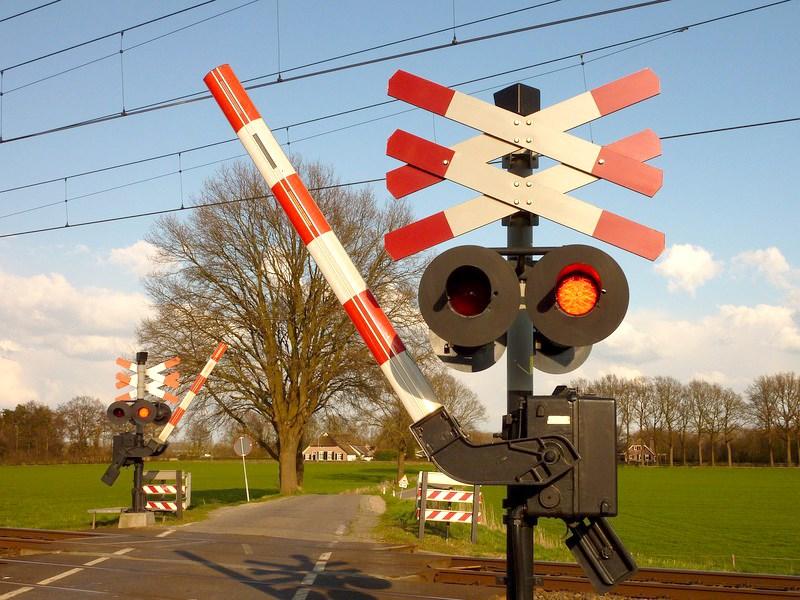 Железнодорожные переезды оборудуют видеокамерами