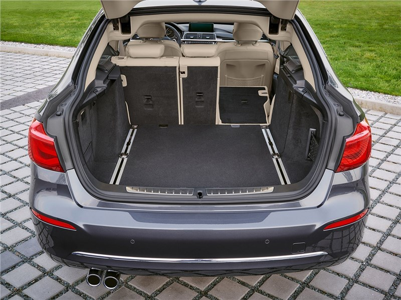 BMW 3 series GT 2017 багажное отделение