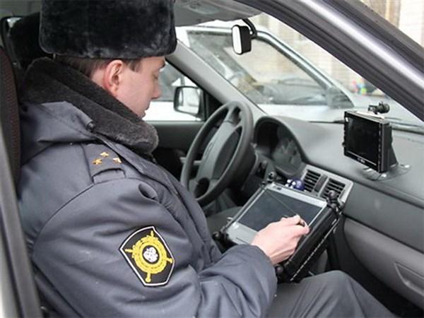 Инспекторам ГИБДД дали планшетники