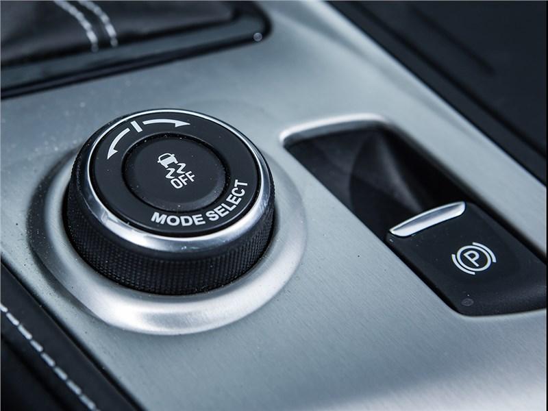 Chevrolet Corvette Z06 2015 селектор режимов
