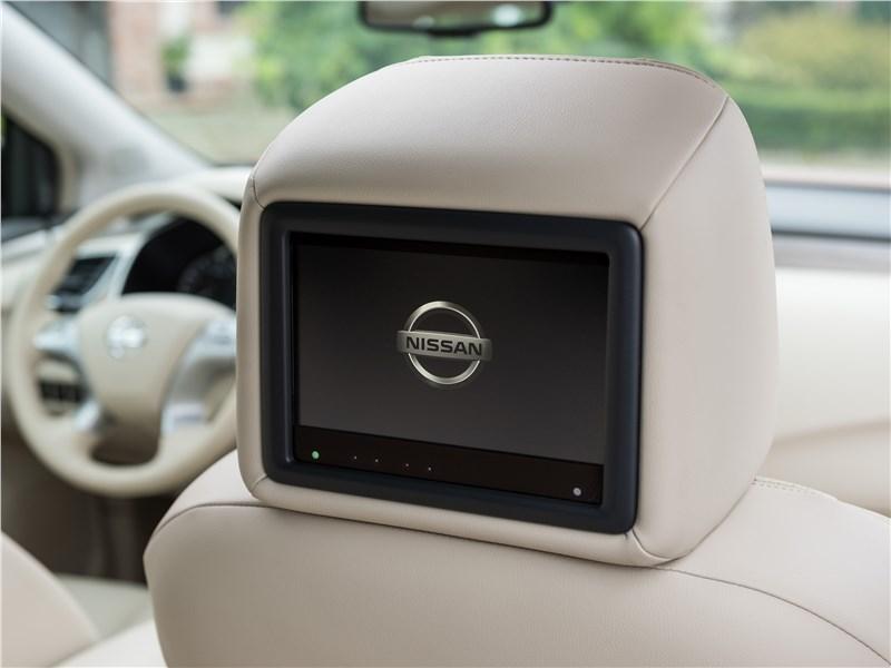Nissan Murano 2015 жк-дисплей в подголовнике