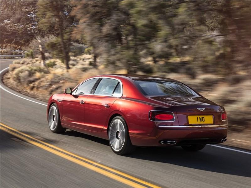 Bentley Flying Spur V8 S 2017 вид сзади