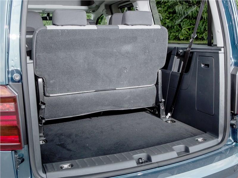 Volkswagen Caddy Maxi 2016 багажное отделение