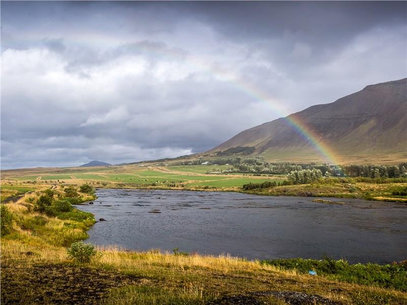 Вода в реках Исландии идеально чистая. При подаче в дома ее даже не подвергают фильтрации