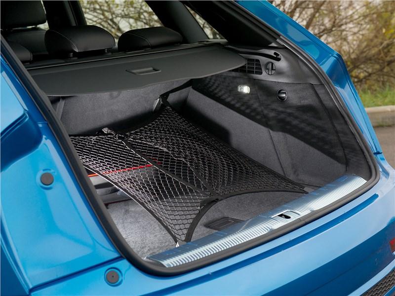 Audi Q3 2015 багажное отделение