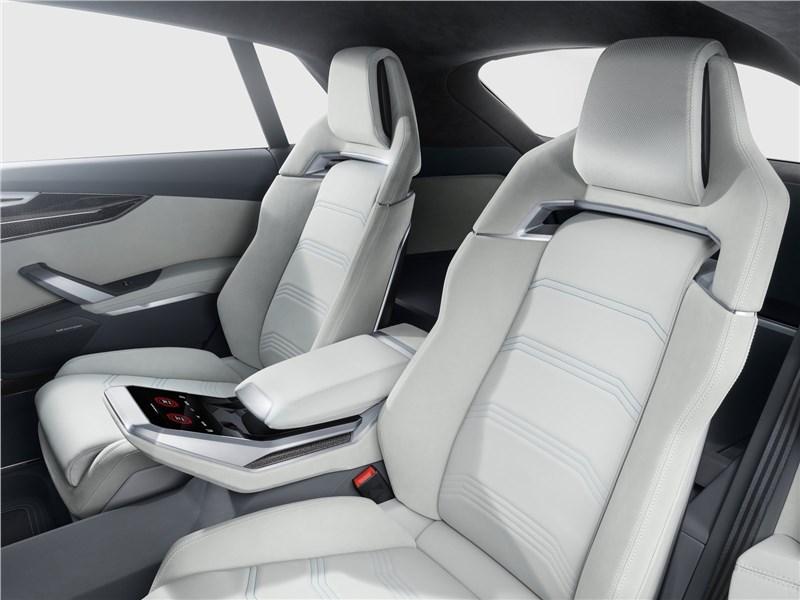 Audi Q8 concept 2017 задний диван