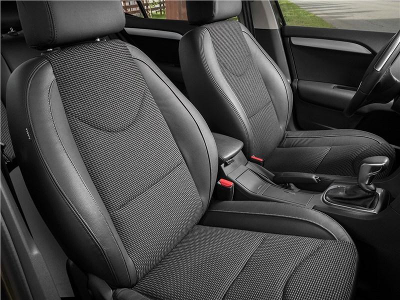 Citroen C4 2016 передние кресла