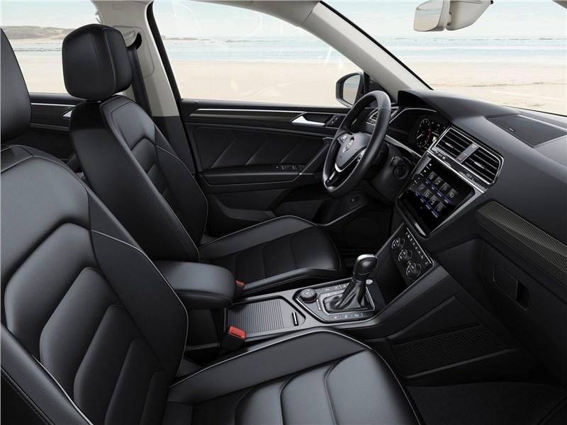 Volkswagen Tiguan Allspace 2018 передние кресла
