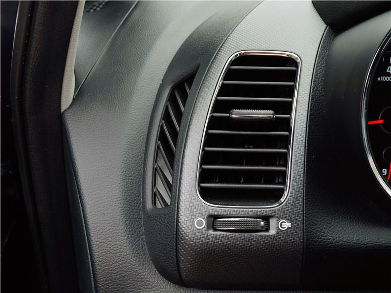 Kia Cerato 2016 дефлектор