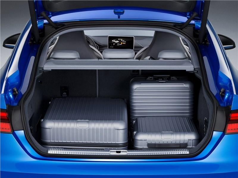 Audi S5 Sportback 2017 багажное отделение