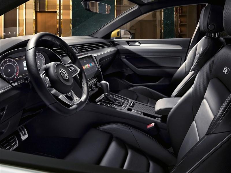 Volkswagen Arteon 2018 передние кресла