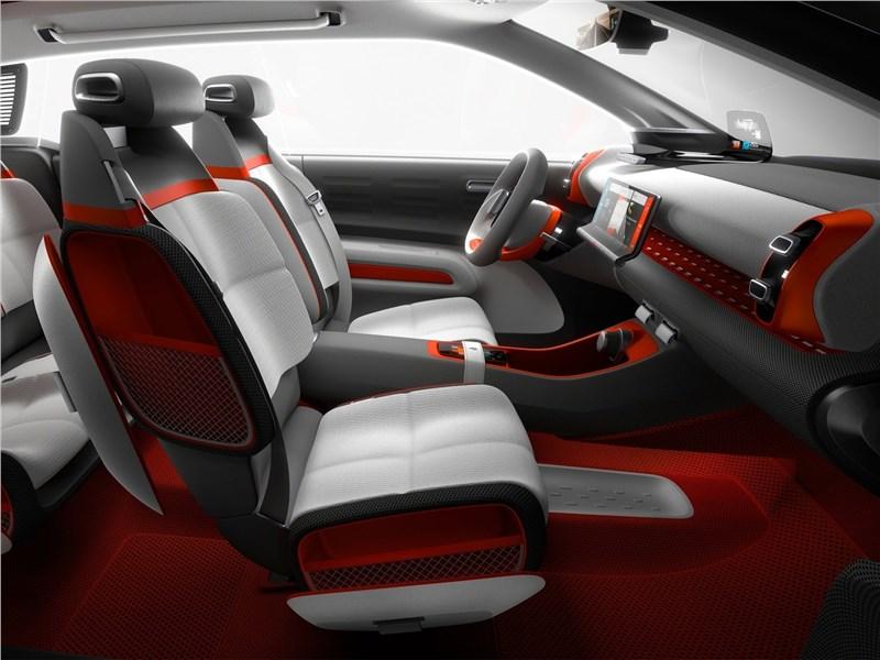 Citroen C-Aircross Concept 2017 передние кресла