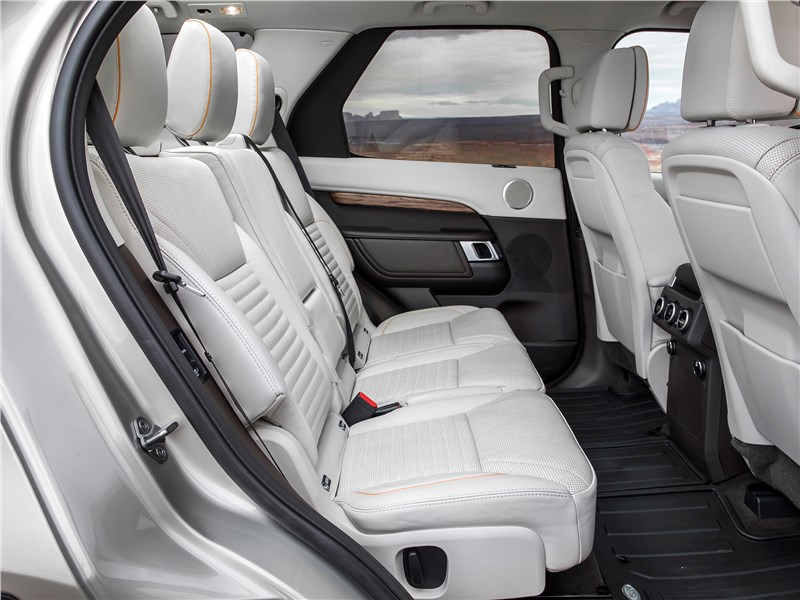 Land Rover Discovery 2017 диван второго ряда