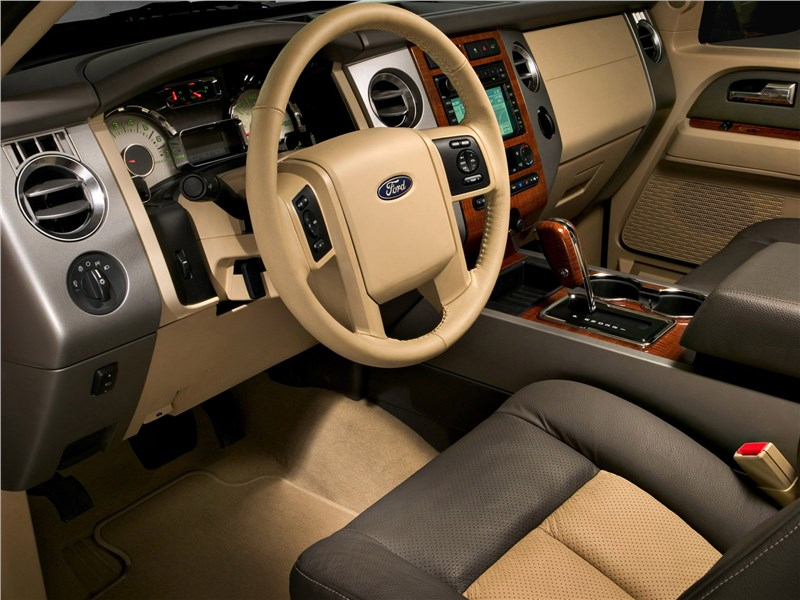 Ford Expedition 2007 салон