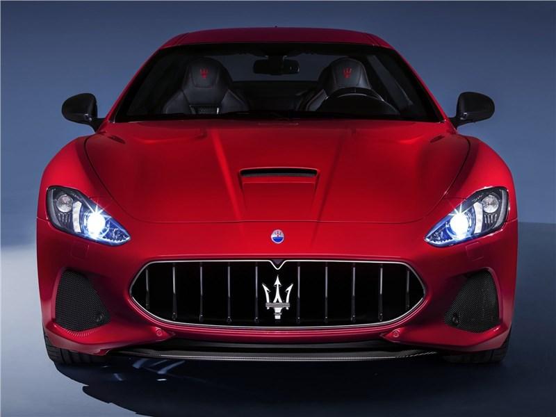Maserati GranTurismo 2018 вид спереди