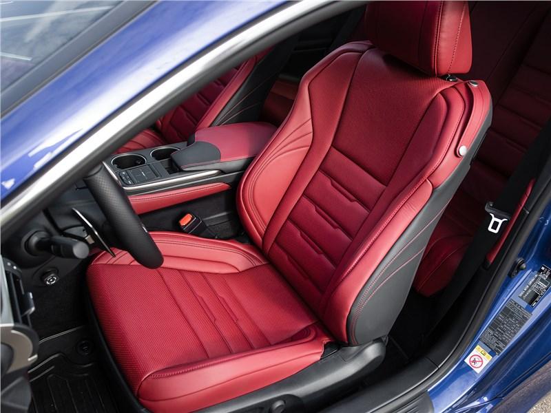 Lexus RC 2015 переднее кресло