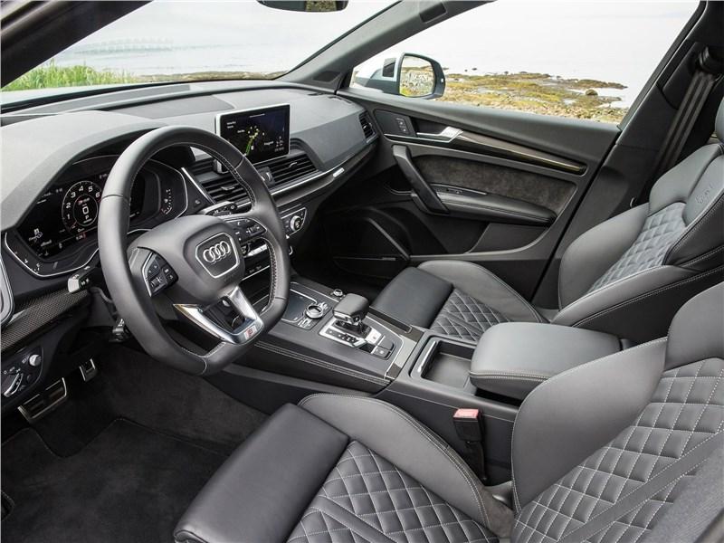 Audi SQ5 3.0 TFSI 2018 передние кресла