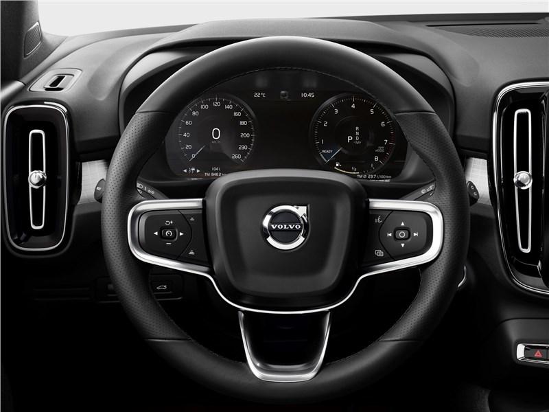 Volvo XC40 2018 руль