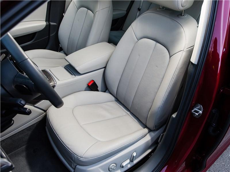 Audi A6 2015 передние кресла