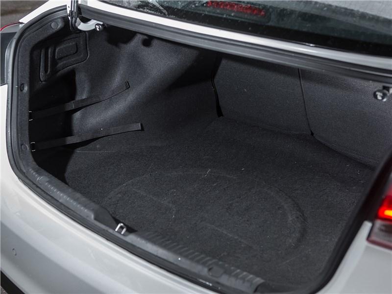 Kia Cerato 2016 багажное отделение