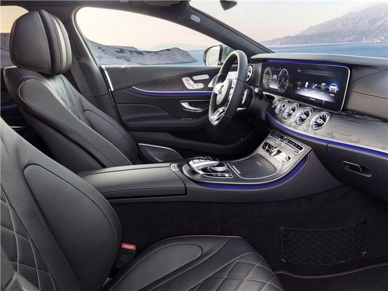 Mercedes-Benz CLS 2019 передние кресла