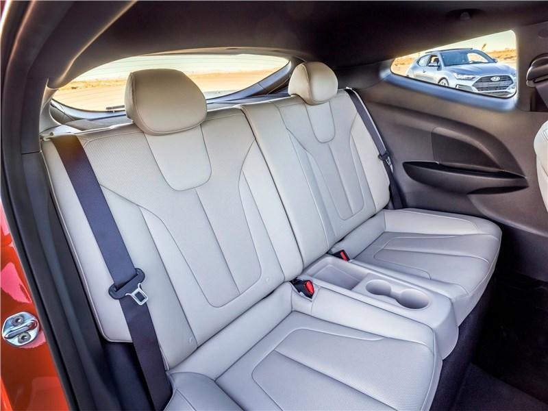Hyundai Veloster 2019 задний диван