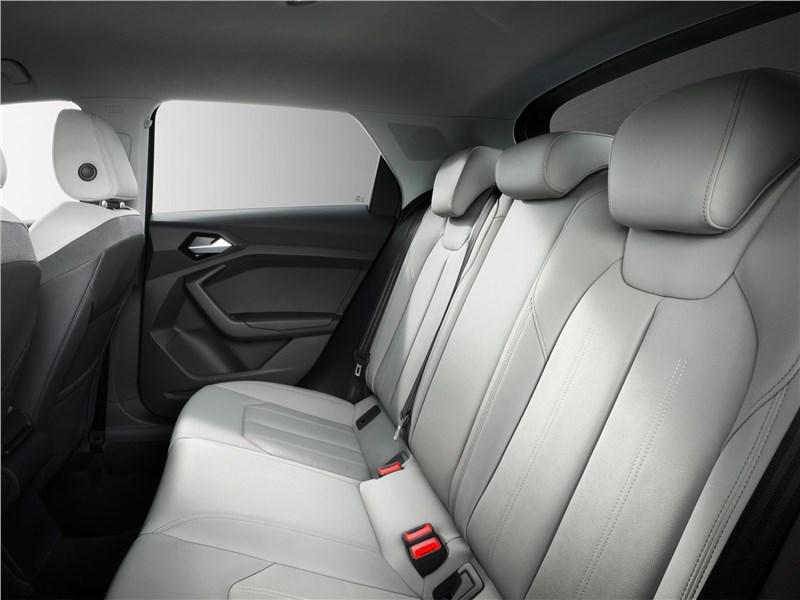 Audi A1 Sportback 2019 задний диван