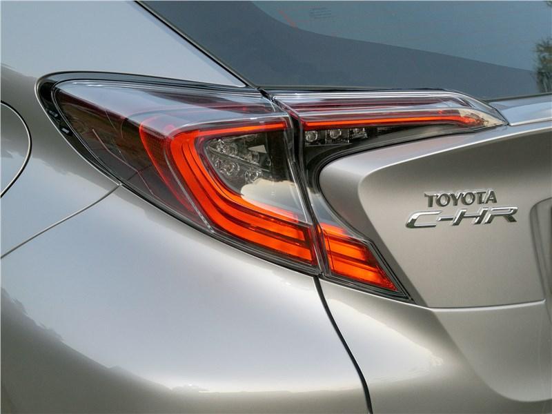 Toyota C-HR 2016 задний фонарь