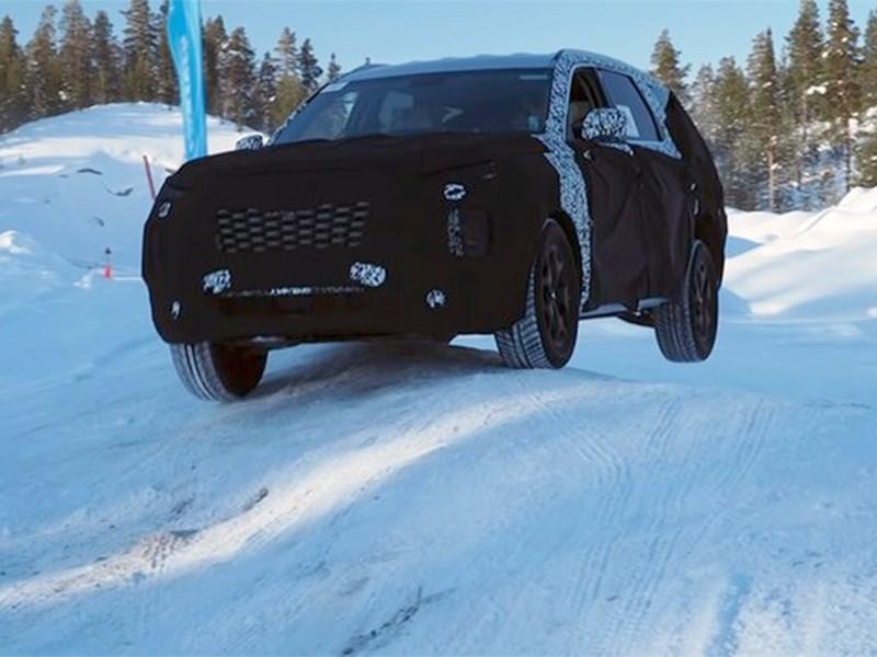 Самый большой кроссовер Hyundai тестируют в Швеции