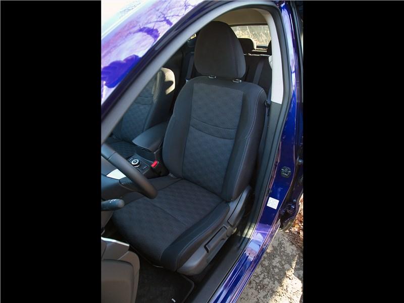 Nissan Qashqai 2014 кресло водителя
