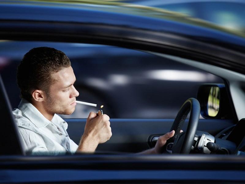 Курение за рулем собираются запретить