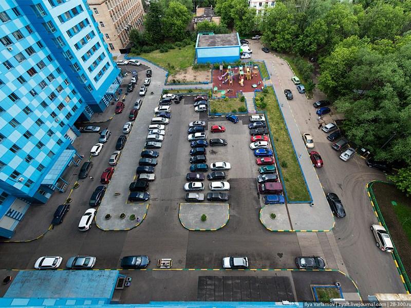 Платные парковки во дворах? Фото Авто Коломна