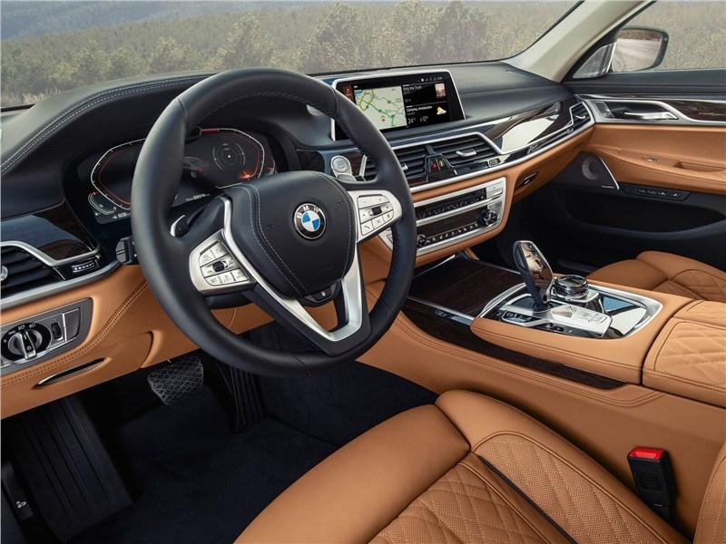 BMW 7-Series 2019 салон