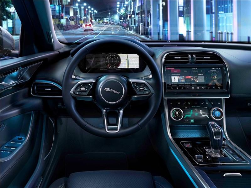 Jaguar XE 2020 салон