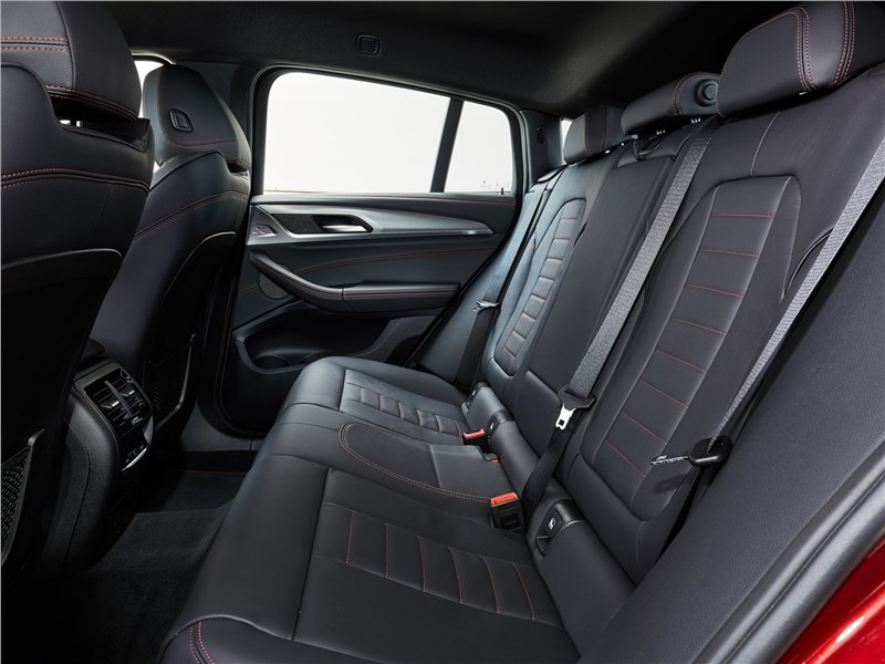 BMW X4 M 2019 задний диван