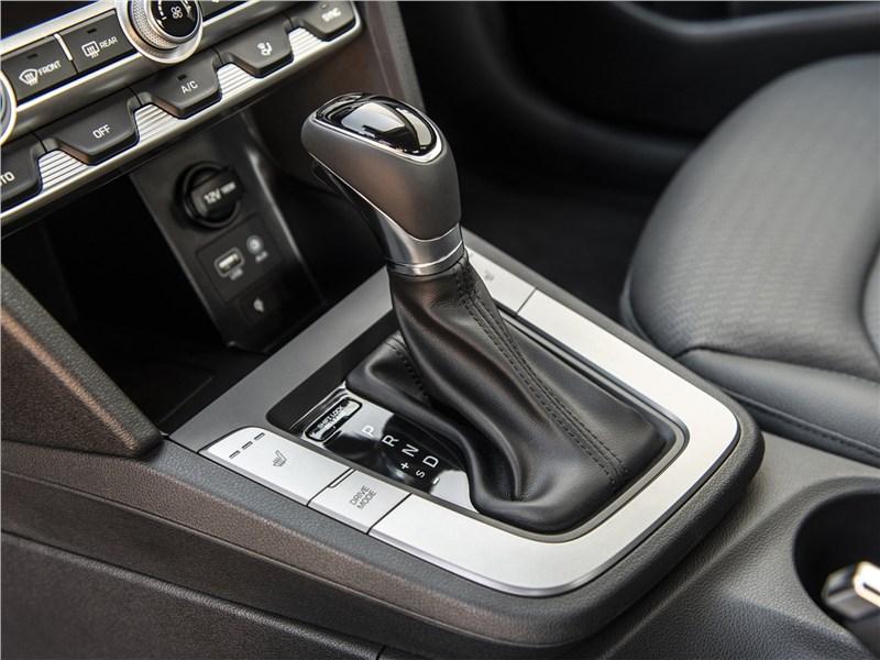 Hyundai Elantra 2019 АКПП