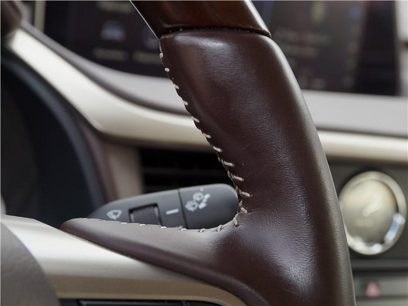 Lexus RX 350L 2018 руль