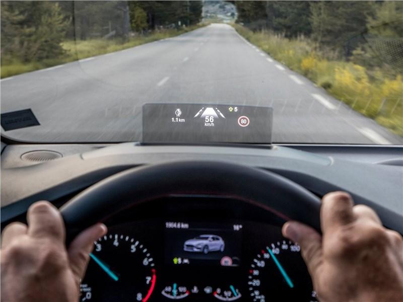 Ford Focus 2019 проекция приборов на стекло