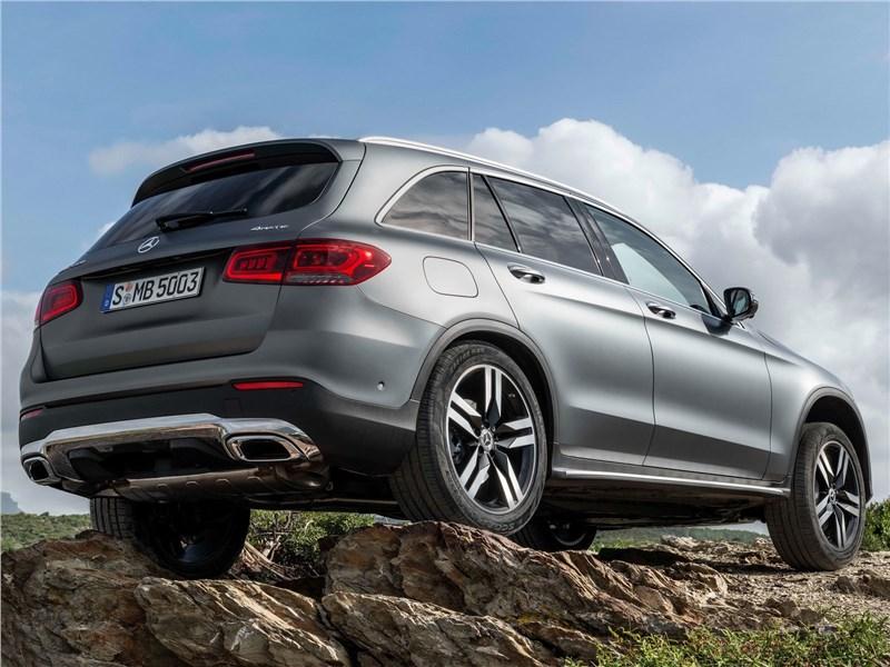 Mercedes-Benz GLC 2020 вид сзади