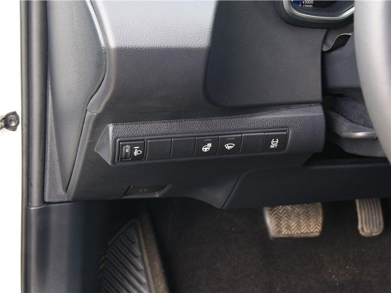 Toyota Corolla 2019 кнопки
