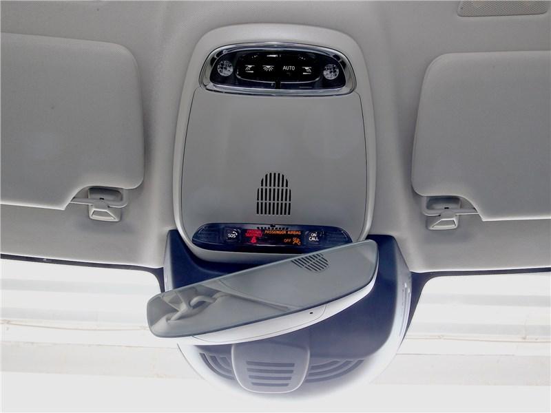 Volvo V90 Cross Country 2017 система Volvo On Call