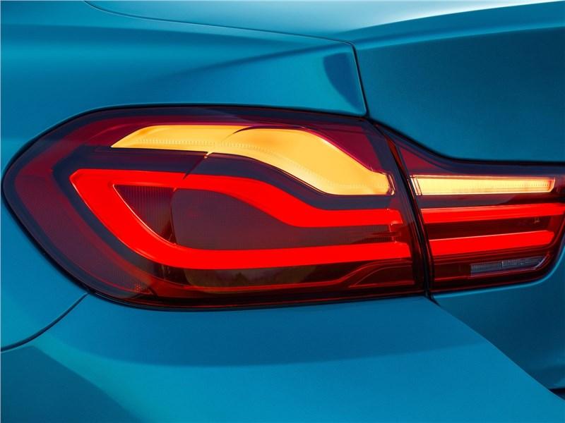 BMW 4-Series Coupe 2018 задний фонарь