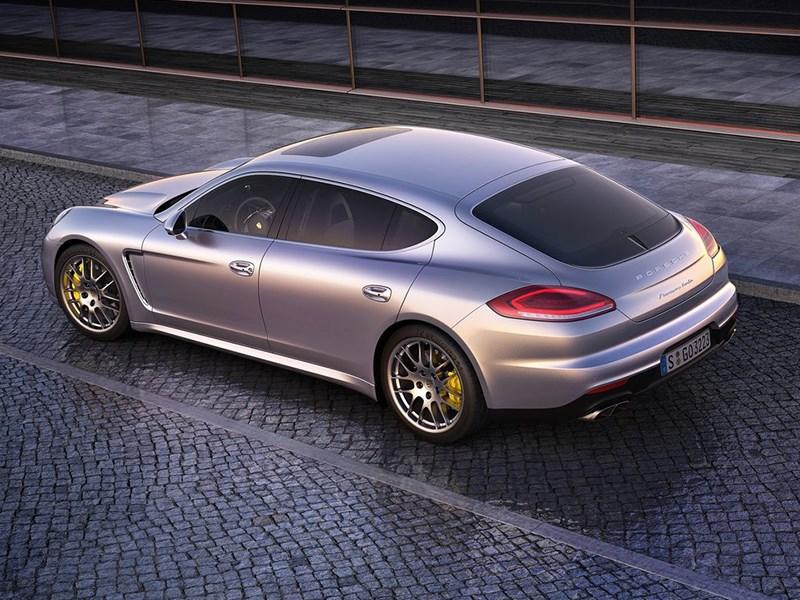 Porsche отзывает более двух тысяч автомобилей Panamera
